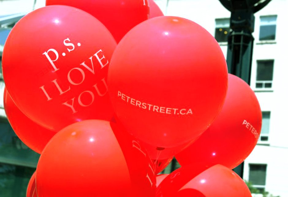 Peter_Street_Busker-Event_01_940x643
